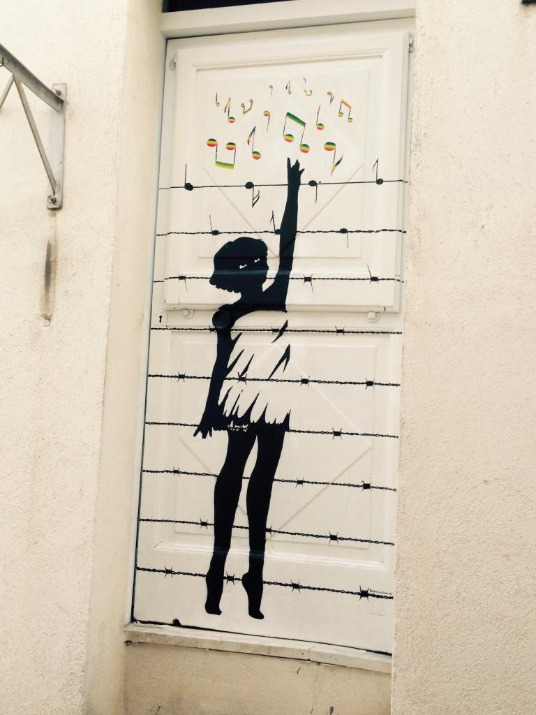 Vecchie porte di case e cantine dipinte a gambatesa sperimentazione street art progetto - Porte vecchie in legno ...