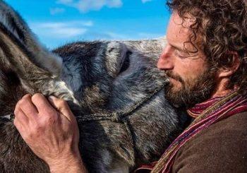 Apericena in Fattoria e dialoghi con l'autore che cammina con un asino al suo fianco | Montemitro MOLISE